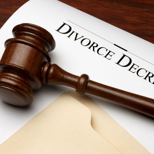 Benefits of Hiring a Divorce Law Lawyer in Lee's Summit, MO